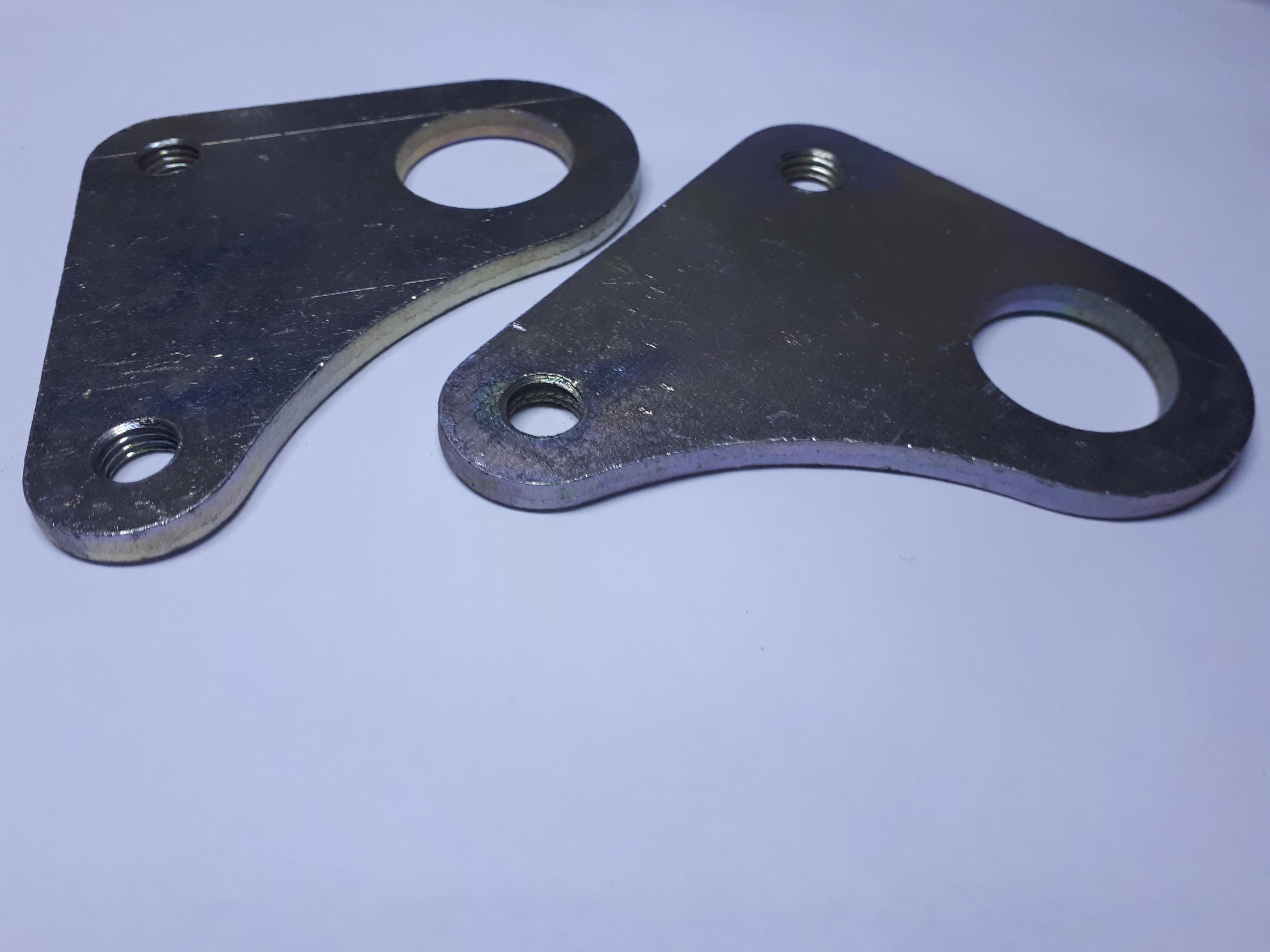 Задние буксировочные кронштейны Нива 2121, Нива Тайга 21213